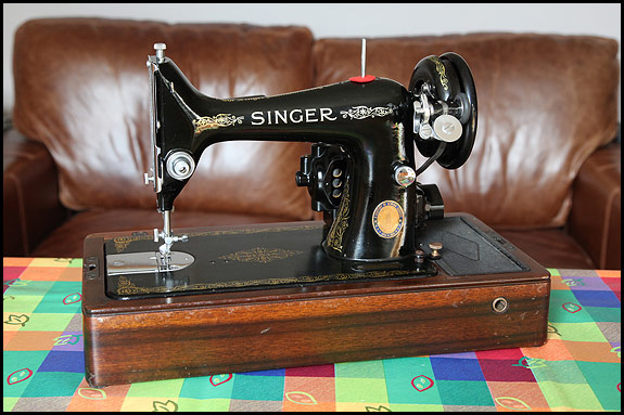 Singer knee lever sewing machines | oldsingersewingmachineblog