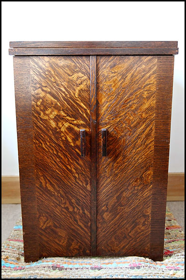 Singer Enclosed Cabinet 40 Oldsingersewingmachineblog Extraordinary Cabinets For Sewing Machines