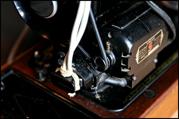 Photo of modification to Singer sewing machine motor plug