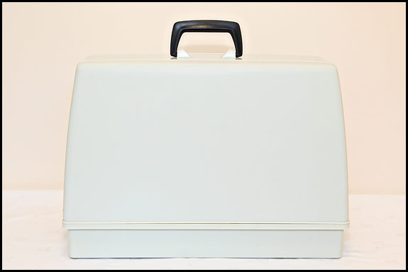 picture of plastic case for sewing machine