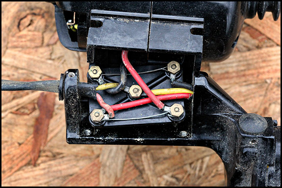 Picture of wiring under vintage Singer motor