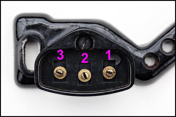 Vintage singer wiring oldsingersewingmachineblog for Singer sewing machine motor controller