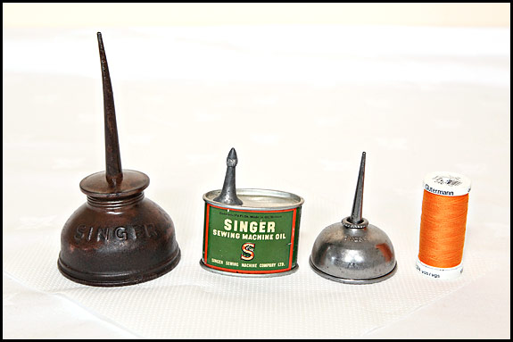 Oiling Your Vintage Singer Part 40 Oldsingersewingmachineblog Cool How To Oil A Singer Sewing Machine