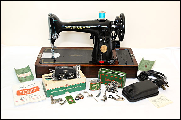 Picture of Singer 201K sewing machine with accessories