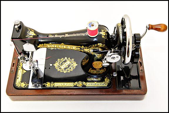 Singer 28K with 128-style bobbin winder